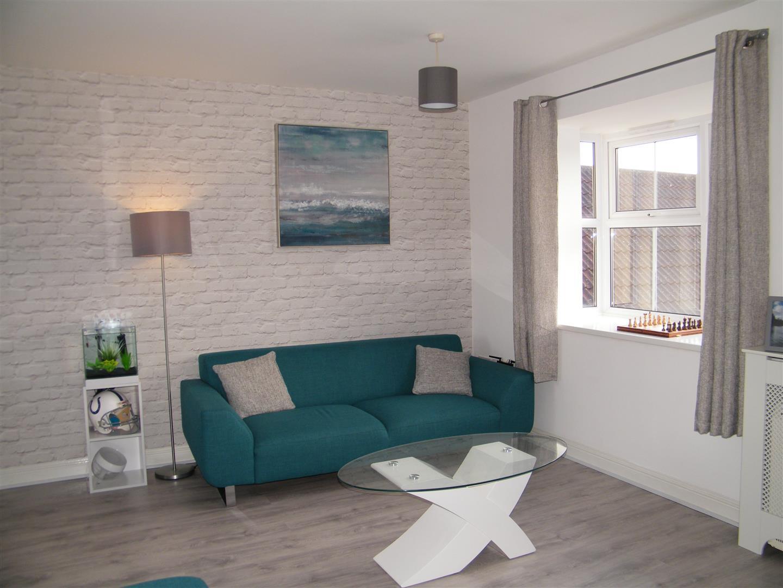 2 Bedrooms Flat for sale in Zander Road, Calne